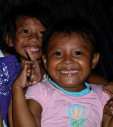 Panama: Meeting kids on the San Blas islands