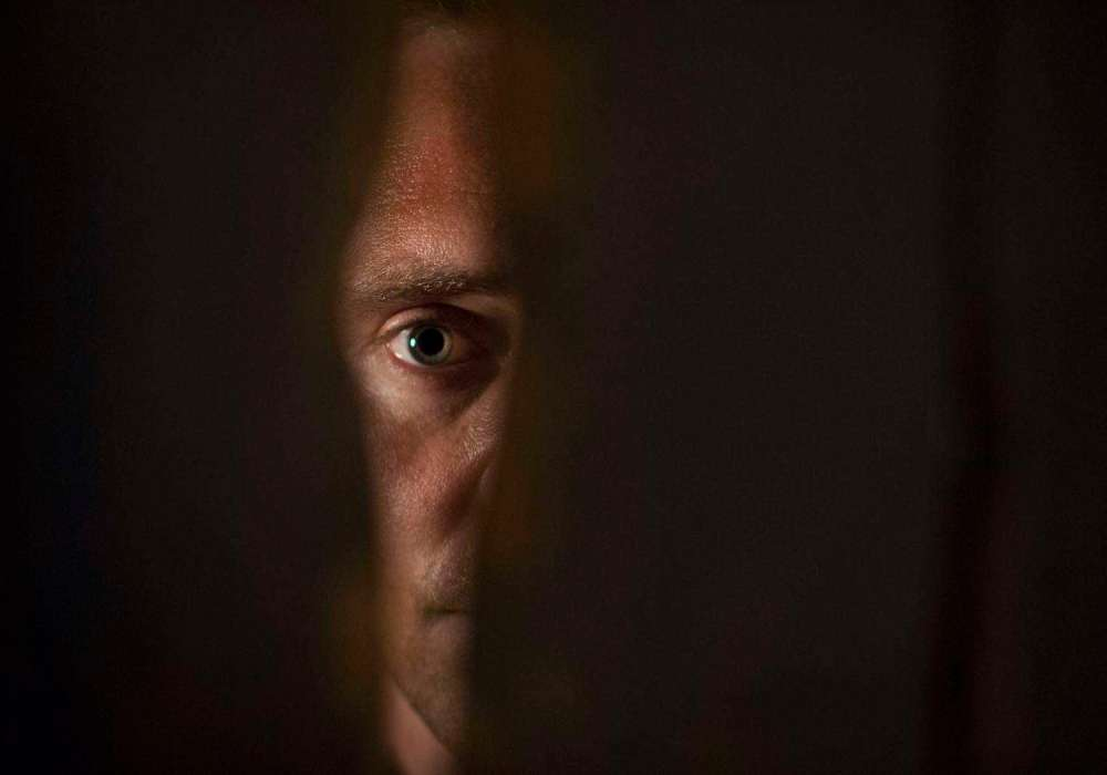 Tom Hiddleston and the hollow charm thwarting the promise of a great actor