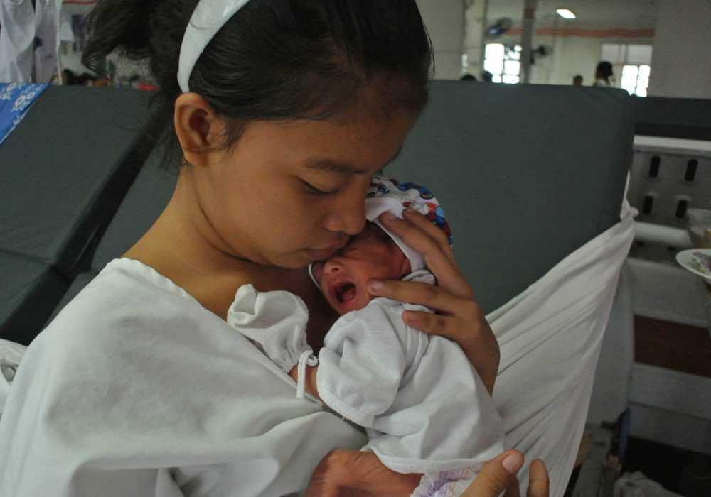 Director Ramona Diaz talks <em>Motherland</em> and life in the maternity ward