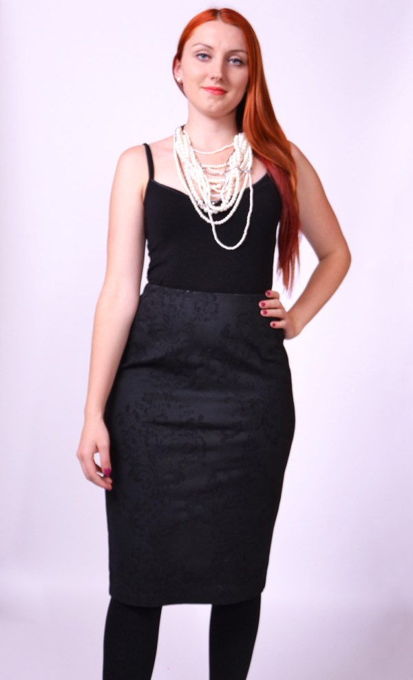0115f745c547 Úzka čierna sukňa - SEVERANKA