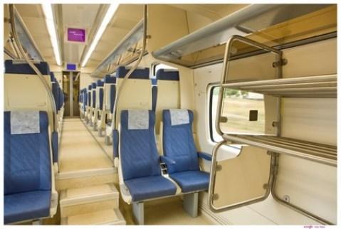 Los nuevos coches cuentan con más espacios para personas minúsvalidas, piso bajo y rampas de acceso./SA