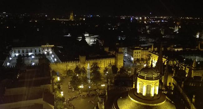 panoramica-noche-sevilla-marmonben