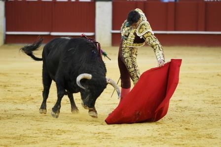 //Andalucia// 26-3-2016  Malaga Monumental corrida de toros en La Malagueta Miguel Angel Perera, Cayetano Rivera y Jimenez Fortes Fotografo  ANTONIO PASTOR