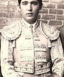 14 de diciembre de 1940: Nace en Camas Paco Camino