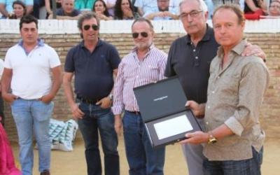 Homenaje de la Escuela de Sevilla a Pepe Luis