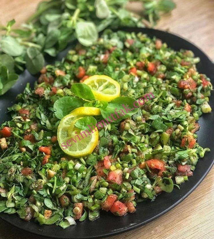 Ekşili Semizotu Salatası Nasıl Yapılır?