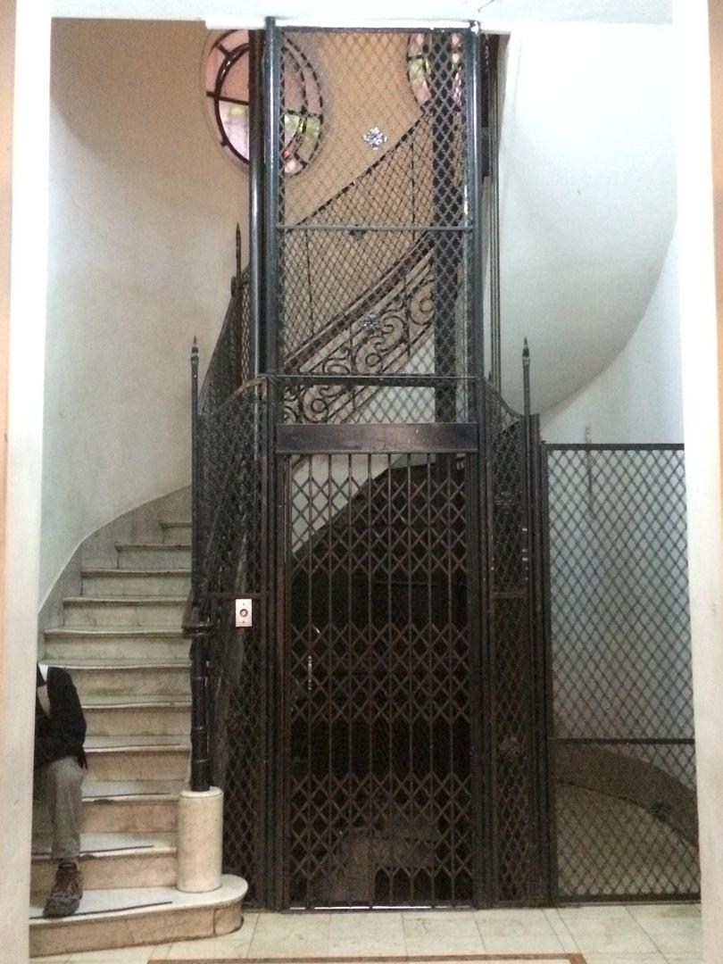 -gilper-hostel-elevador