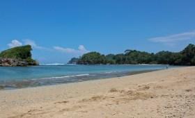 Pantai Kondang Merak