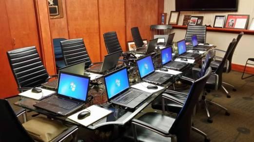 event rental laptop cikarang