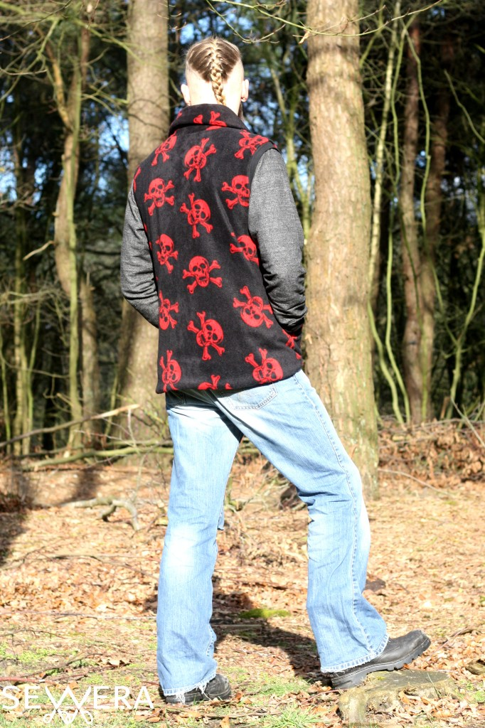 red skulls fleece