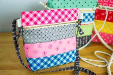 Cross Body Zipper Bag
