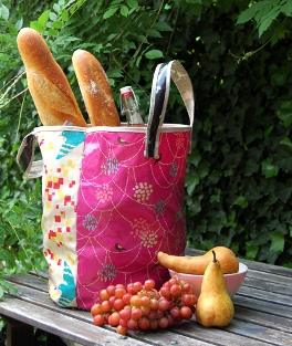 oilcloth-tote-beauty-425