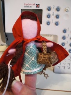 Tutorial Little Red Riding Hood Finger Puppet Sewing
