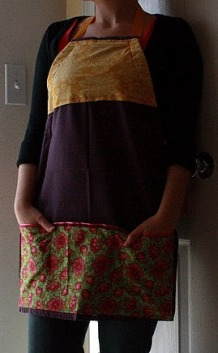 Tutorial: Make a full apron from a tea towel – Sewing
