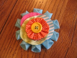 Tutorial: Whimsical stacked flower brooch – Sewing