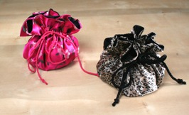 Tutorial drawstring jewelry pouch with small pockets sewing for Drawstring jewelry bag pattern