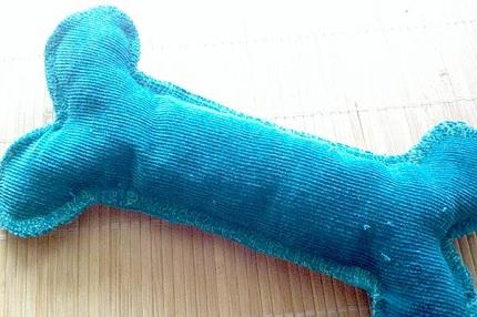 Tutorial Fabric Dog Bone Toy Sewing
