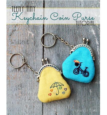 Free pattern: Teeny Tiny Keychain Coin Purse