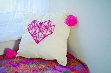 Tutorial: Geometric heart throw pillow