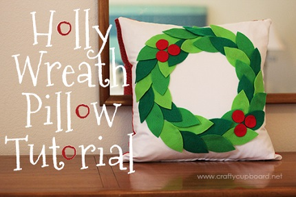 Tutorial: Felt holly wreath pillow – Sewing