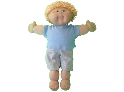 """Free pattern: T-shirt for a 17"""" Cabbage Patch doll"""