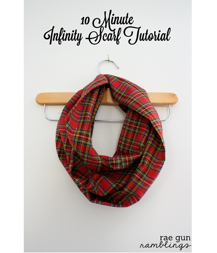 Tutorial: 10-minute infinity scarf