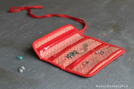 Tutorial: Mini jewelry roll organizer