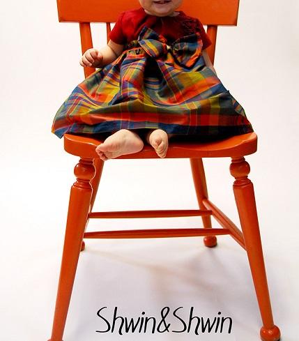 Idea file: Long Christmas skirt for a baby girl