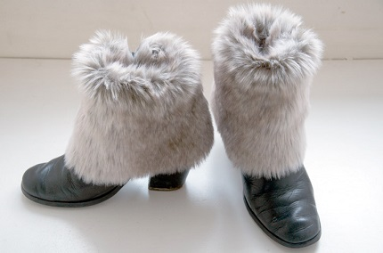 Tutorial: No-sew faux fur shoe or boot cuffs