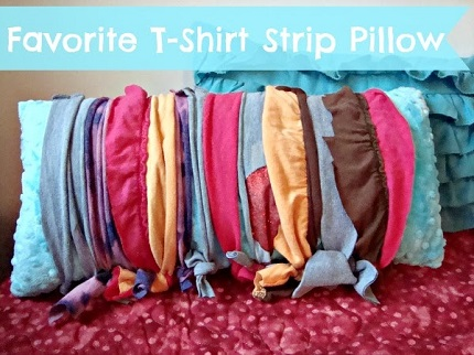 Tutorial: No-sew knotted strip pillow cover