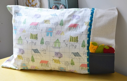 Tutorial: Pillowcase with a treasure pocket