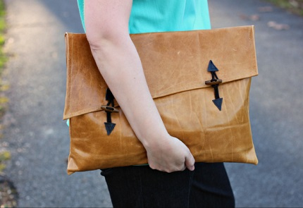 Tutorial: Oversized asymmetrical leather clutch