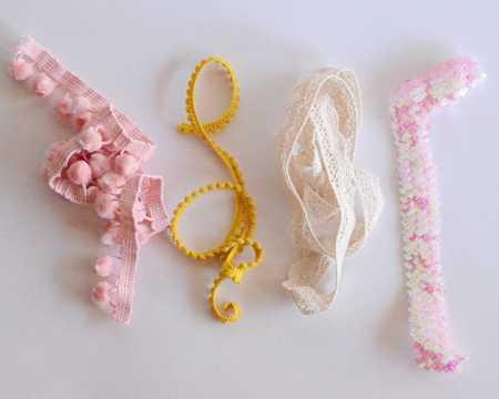 Tutorial: Pom Pom Posies wrist corsages