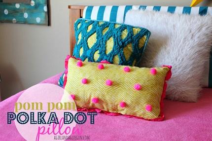 Tutorial: Pom pom polka dot pillow