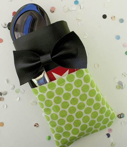 Tutorial: Faux leather bow sunglass case