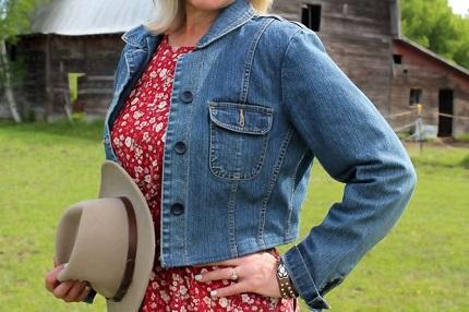 Tutorial: Cropped denim jacket refashion