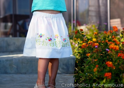 Tutorial: Little girl's vintage pillowcase skirt