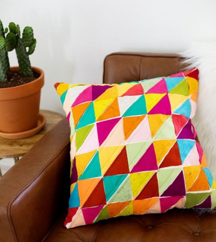 Tutorial: Colorful geometric wool felt pillow