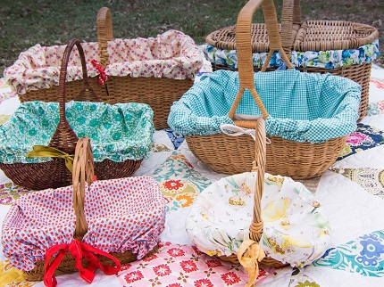 Tutorial: Picnic set with a basket liner, blanket, and napkins