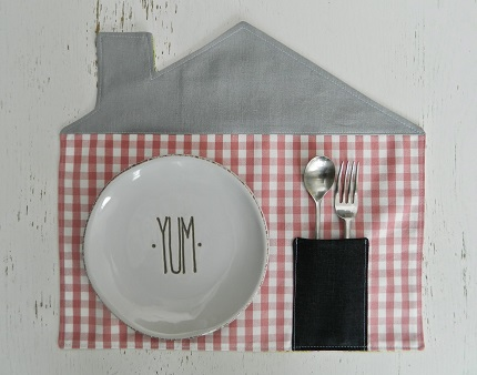 Tutorial: Modern house placemats with flatware pockets