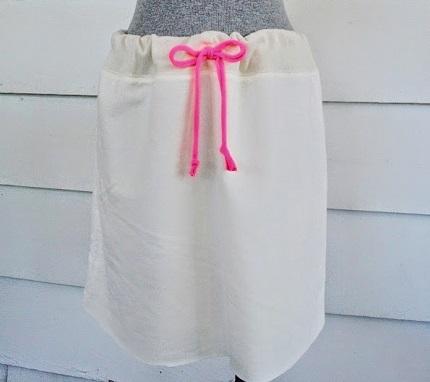 Tutorial: No-sew drawstring sweatshirt skirt