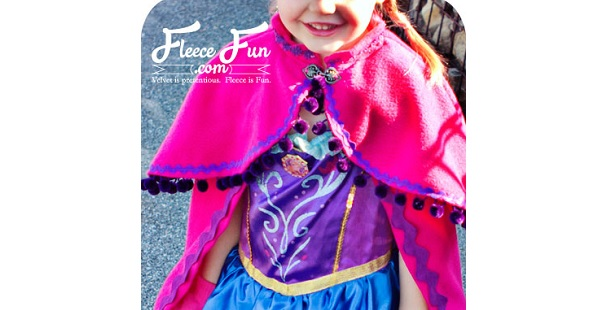 Free pattern: Little girls snow princess cape