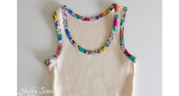 Free pattern: Bias trim tank top