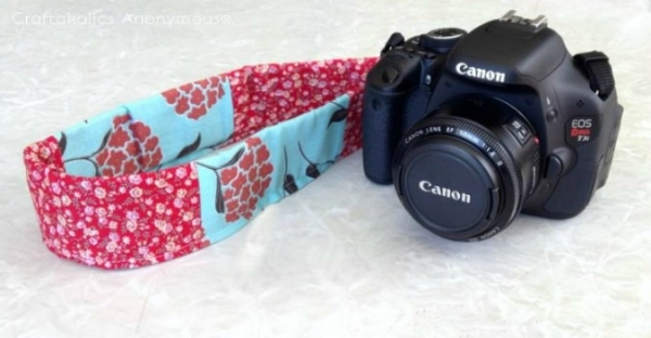 Tutorial: Easy removable camera strap slipcover