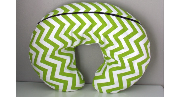 Free Pattern Removable Nursing Pillow Cover Sewing