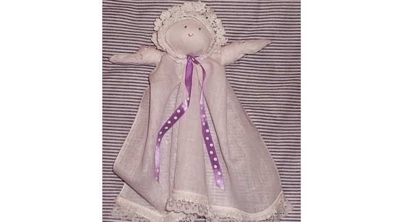 Tutorial: No-sew handkerchief dolls