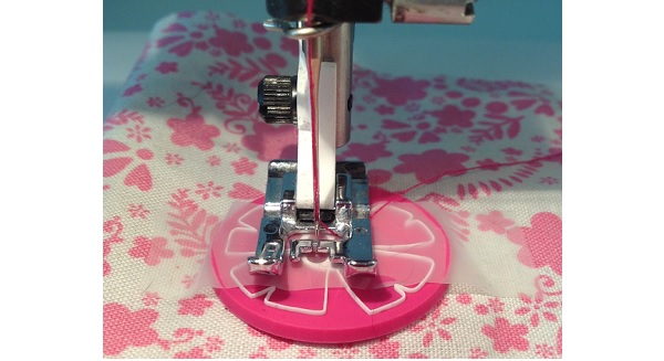 Tutorial: Sew buttons down quickly with your sewing machine