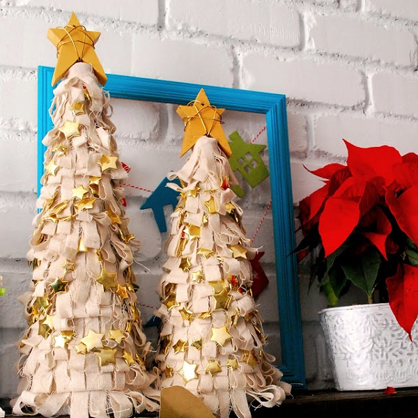 Fringe Foam Tree with Gold Stars - The Silly Pearl