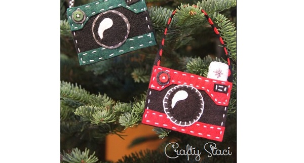 Free pattern: Felt camera Christmas ornament