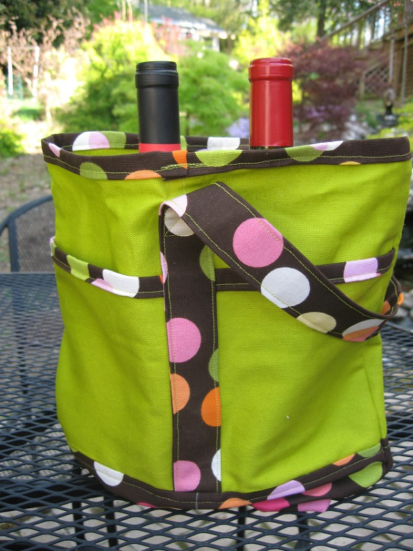 Tutorial: Wine tote with a padded divider